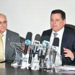 Governador Marconi Perillo e reitor da UFG, Orlando Amaral durante entrevista coletiva no PPLT.