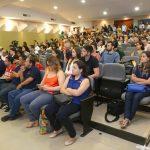Em cerimônia, professores, alunos e técnico-administrativos receberam honrarias