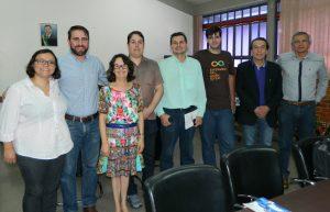 Presidente da Fapeg, Zaira Turchi (ao centro), ao seu lado direito, o presidente da AJE Goiás, Cledistonio Junior, membros da diretoria da Associação e diretores da Fundação. Foto: Ascom Fapeg.