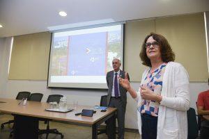 Professora Maria Zaira Turchi na reunião do Conselho de Integração Universidade-Sociedade da UFG