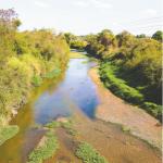 Rio Meia Ponte durante a seca